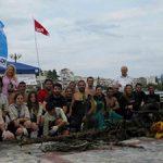 Γιατί μας αξίζει μια θάλασσα, καθαρή! Εθελοντές καθάρισαν το βυθό της παραλίας Χαλκίδας