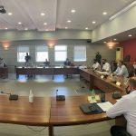 """Σύσκεψη υπό τον Πρωθυπουργό / Έλενα Βάκα: """"Το μείζον είναι να επισπεύσουμε τις διαδικασίες""""."""