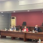 Στη σύσκεψη με τη Γενική Γραμματέα Πρωτοβάθμιας και Δευτεροβάθμιας Εκπαίδευσης και Ειδικής Αγωγής του Υπουργείου Παιδείας κα. Αναστασία Γκίκα και τον Γενικό Γραμματέα Υποδοχής Αιτούντων Ασύλου του Υπουργείου Μετανάστευσης και Ασύλου η Δήμαρχος Χαλκιδέων